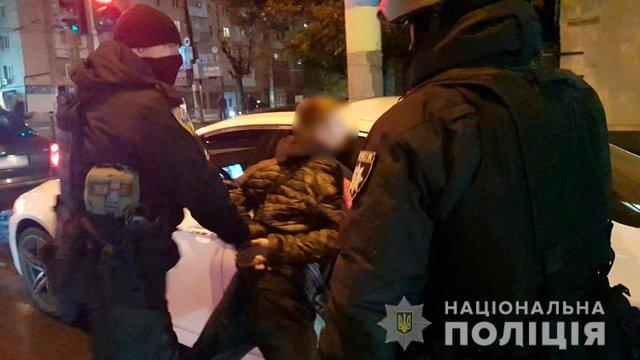 Поліція викрила банду озброєних фальшивомонетників у Чернівцях