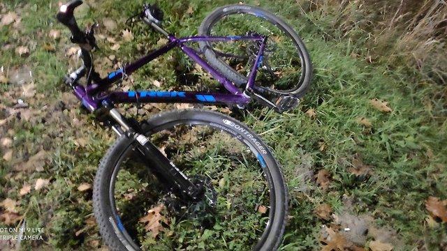 На Рясному автомобіль на смерть збив 27-річного велосипедиста