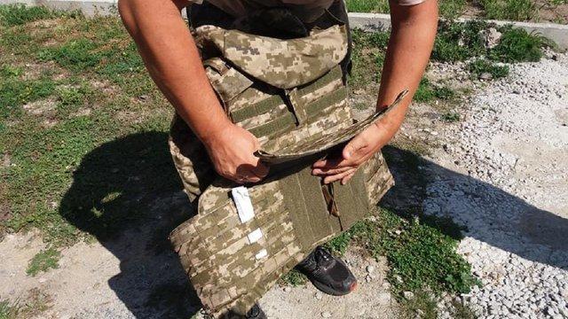 П'ятеро високопосадовців Міноборони закупили бракованих бронежилетів на 100 млн грн