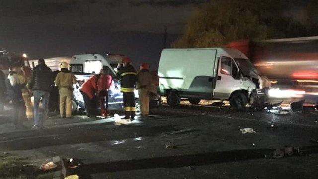 На об'їзній Львова у ДТП постраждали четверо людей