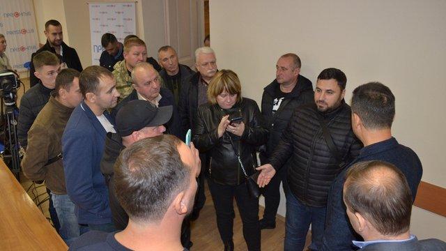 Скандально відомі активісти намагалися зірвати прес-конференцію з критикою голови ЛОДА