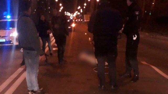 У Львові автомобіль на смерть збив пішохода
