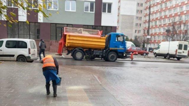 Через сильну ожеледицю у Львові різко зросла кількість ДТП