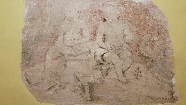 У бібрській ратуші досліджують фрески ймовірно XVIII-XIX століття