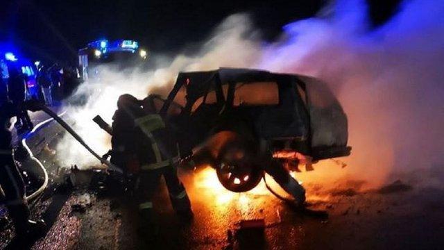 Біля Чернівців в ДТП загинули двоє дорослих і дитина