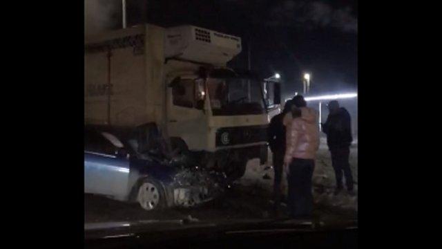 Рятувальники вивільнили водія, якого затисло у автомобілі внаслідок ДТП поблизу Львова