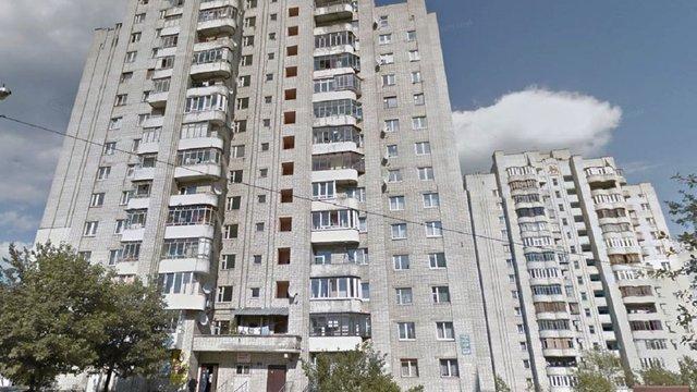 56-річна жінка випала з вікна шостого поверху на Сихові