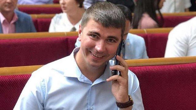 Виключений з фракції «Слуга народу» депутат написав заяву про вихід з партії