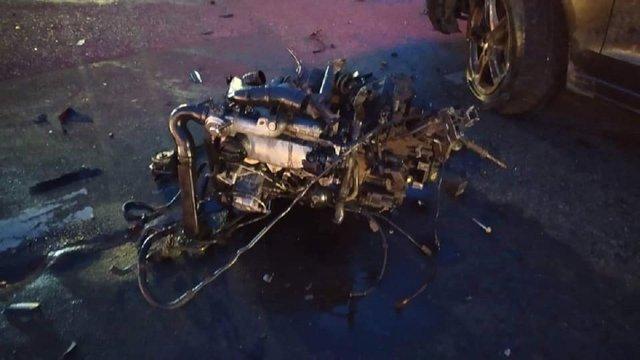 Біля Львова внаслідок удару під час ДТП двигун вилетів з Volkswagen і пошкодив третє авто