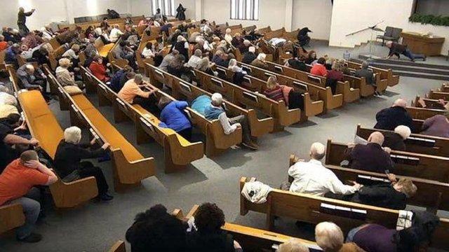 Відвідувачі церкви у США застрелили злочинця, який вбив двох людей
