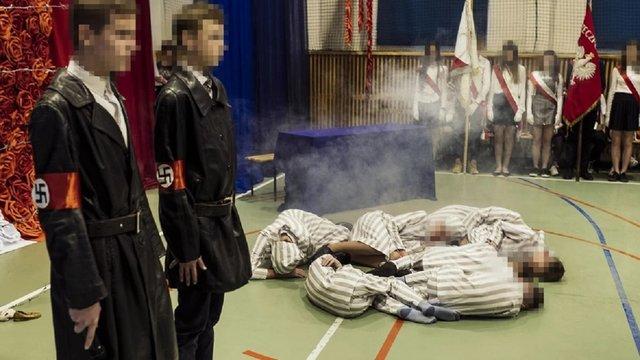 Учні польської школи інсценізували масове убивство в'язнів у Аушвіці