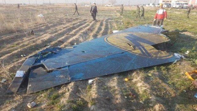 Українські експерти на місці катастрофи знайшли уражені ракетою частини літака МАУ, – ЗМІ