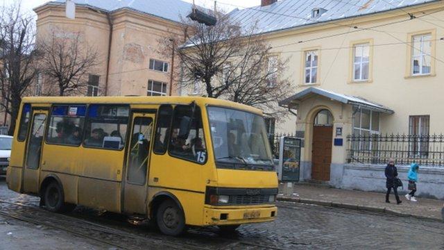 Львівська мерія не бачить підстав піднімати вартість проїзду в автобусах