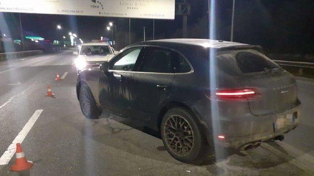 27-річний водій Porsche Macan збив патрульного біля Львова