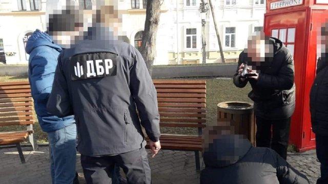 """Результат пошуку зображень за запитом """"Вінницький податківець намагався дати хабар працівнику СБУ за вплив на слідчого ДБР"""""""