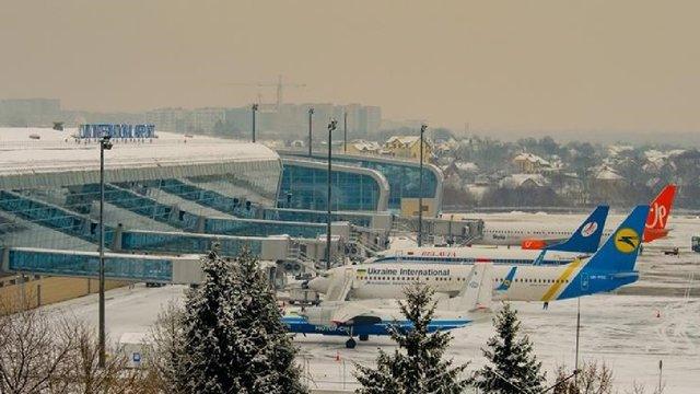 Мінінфраструктури хоче скасувати ПДВ для внутрішніх авіарейсів, щоб знизити їхню вартість