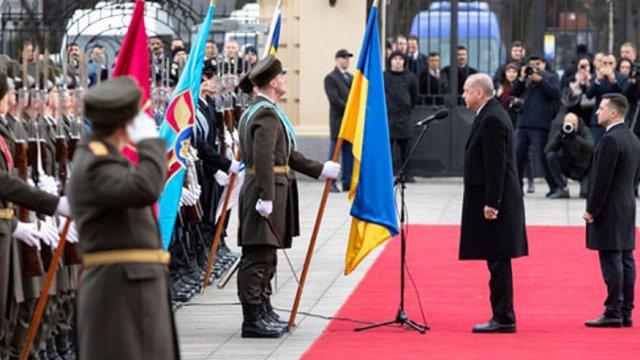 Ердоган в Києві привітав військових почесної варти словами «Слава Україні!»