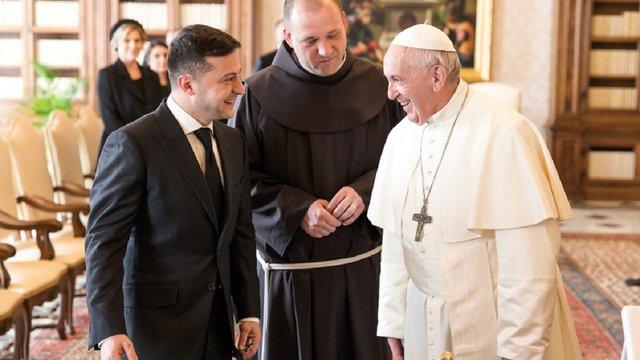 Зеленський попросив Папу Франциска допомогти зі звільненням полонених українців