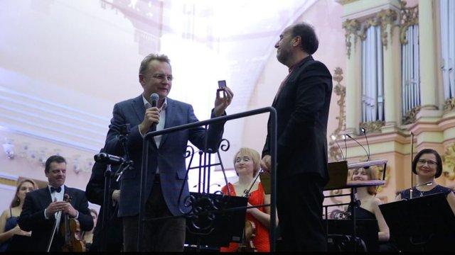 Диригент Володимир Сивохіп отримав відзнаку «Золотий Герб міста Львова»