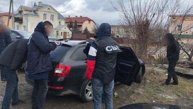 За збут наркотиків у Золочеві затримали заступника шефа місцевої поліції