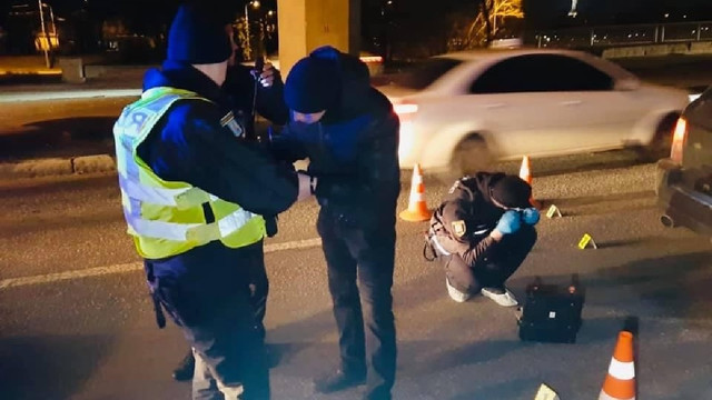 Поліція в Києві влаштувала стрілянину, щоб затримати озброєного водія-втікача