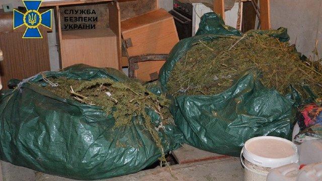 У гаражному кооперативі в Калуші СБУ ліквідувала потужну нарколабораторію