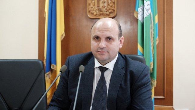Суд залишив на посаді підозрюваного у хабарництві голову Чернівецької облради