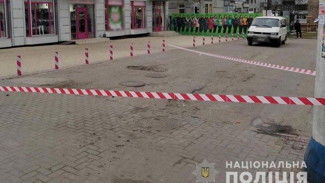 На зупинці громадського транспорту в Кременчуці застрелили чоловіка