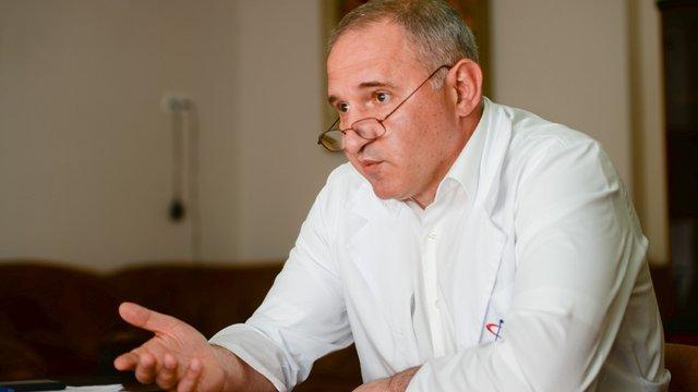 Директор Інституту серця заявив, що в Україну завозять вакцини від коронавірусу. Насправді ні