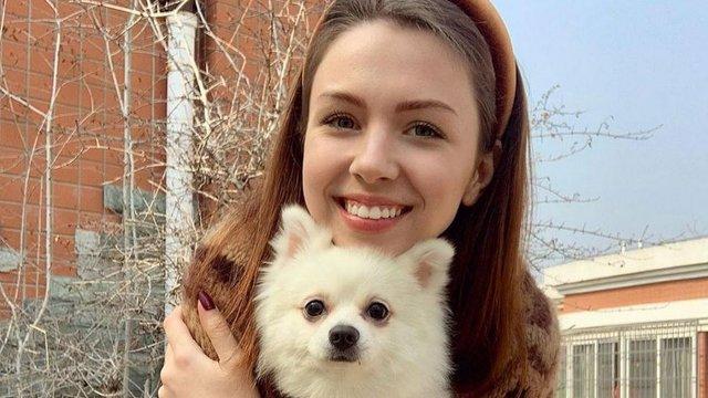У посольстві України пояснили заборону виїзду з Китаю українці з собакою