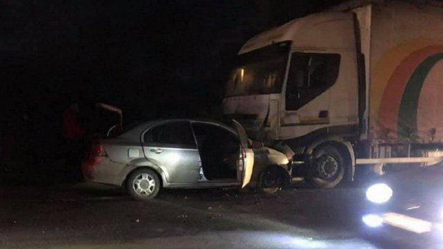 На трасі Львів-Шегині водій легковика загинув внаслідок зіткнення з вантажівкою