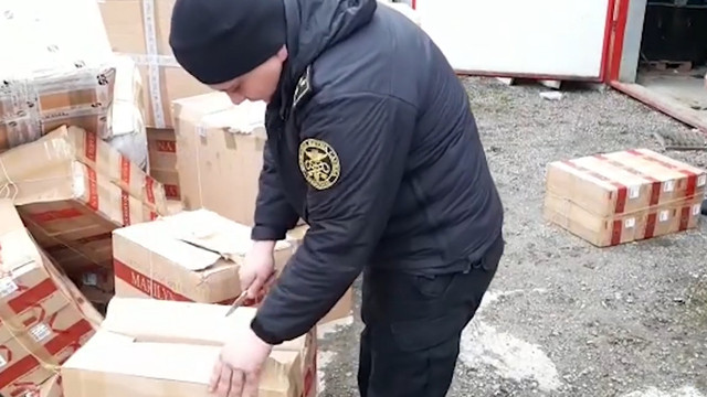 На Львівщині митники конфіскували партію контрабандного одягу на мільйон гривень