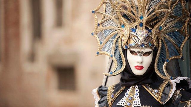 У Венеції через коронавірус достроково завершили традиційний карнавал
