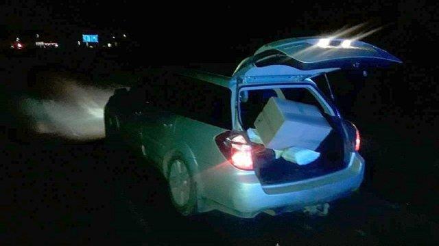 У Черкаській області затримали банду, яка під час руху викрадала вантажі з вантажівок