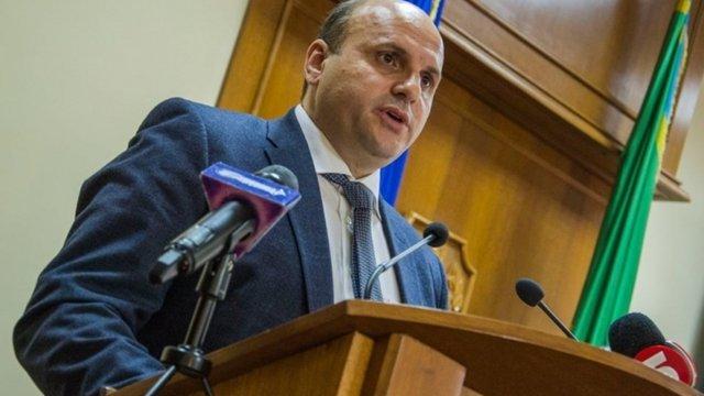Суд відсторонив з посади підозрюваного в хабарництві голову Чернівецької облради