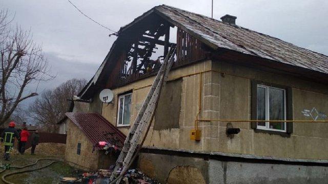 На Львівщині згорів дах житлового будинку