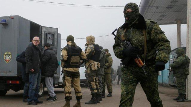 СБУ повідомила звільненому з полону українцю підозру в катуванні інших українців