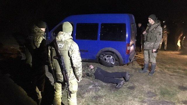 Прикордонники з пострілами затримали 38-річного українця, що прорвав кордон у Раві-Руській