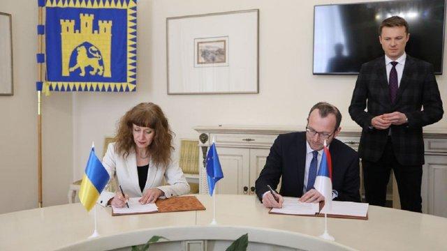 Mikroelektronika та SoftServe підписали договір на впровадження е-квитка у Львові