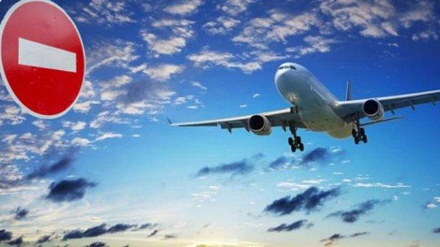Україна повністю обмежить пасажирські авіаперельоти з 17 березня