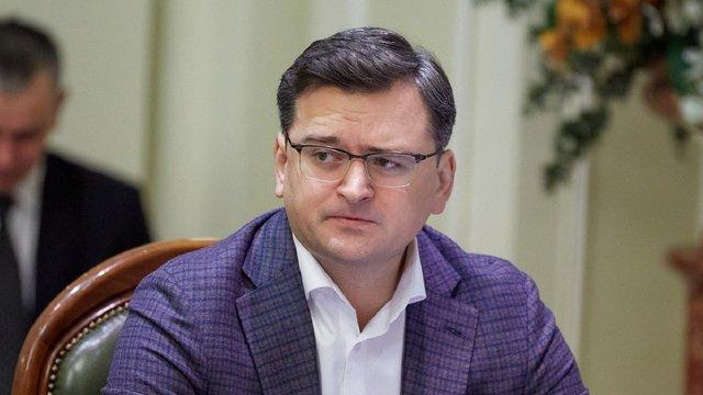 Українські дипустанови перейшли на дистанційну роботу через коронавірус