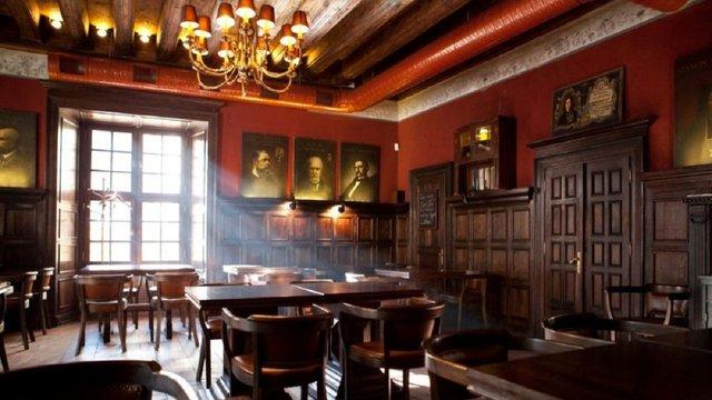 Відомий львівський ресторатор оголосив про закриття своїх ресторанів
