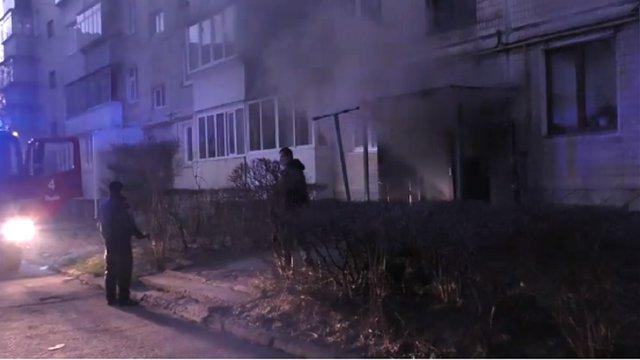 У Львові рятувальники ліквідували пожежу в п'ятиповерхівці, мешканців евакуювали