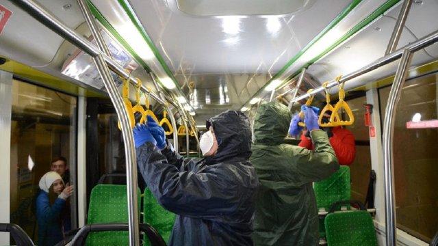 У Львові обмежили кількість людей в громадському транспорті до 10