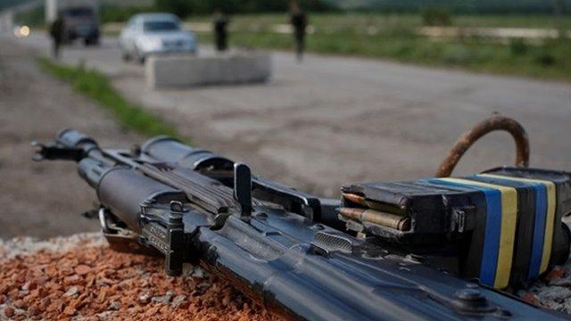 На Донбасі снайпер бойовиків застрелив сержанта української армії