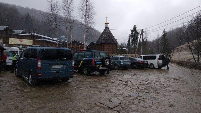 Поліція відкрила провадження через роботу готелю на Сколівщині під час карантину