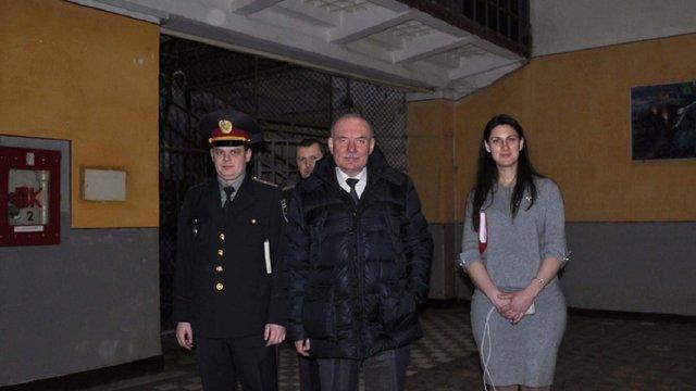 Суд випустив під заставу підозрюваного у хабарництві головного тюремника Львівщини