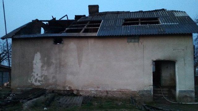 У Самбірському районі внаслідок пожежі в кімнаті будинку загинув 57-річний власник