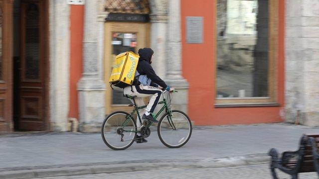 У Львові затвердили правила роботи для служб доставки