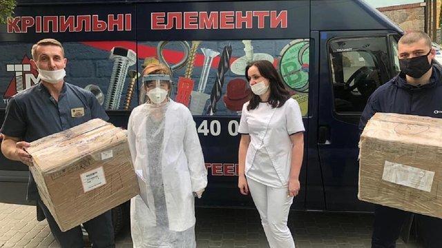 Гарнізонний храм Петра і Павла передав у Львівську інфекційну лікарню апарат ШВЛ